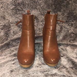 Shoe Dazzle brown booties
